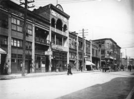 [500 block of Carrall Street, looking north toward Pender Street]