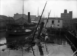 "[Union Steamship ""Ballena"" sinking after fire at Union dock]"