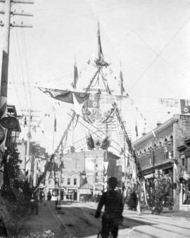 [Fireman's Arch on Cordova Street for the visit of the Duke and Duchess of Cornwall and York]