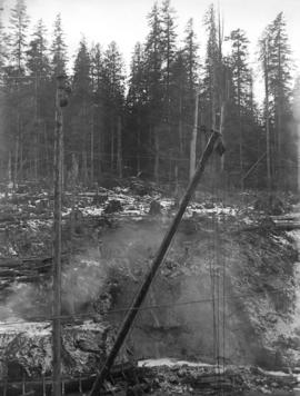 [Cable structure used to clear site for Buntzen Lake Power Plant number one]