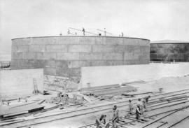 Erection of Oil tank [Construction of the CPR fuel oil tanks]
