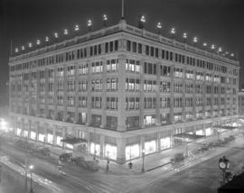 [Hudson's Bay Company alight on the northeast corner of Georgia Street and Granville Street]