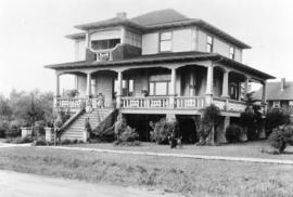 [Exterior of a house on the corner of Salisbury Avenue and Arcola  (formerly Inverness) Street in...