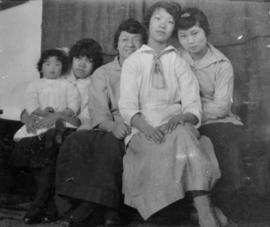 Lillian Ho Wong's photo album [165 of 293]