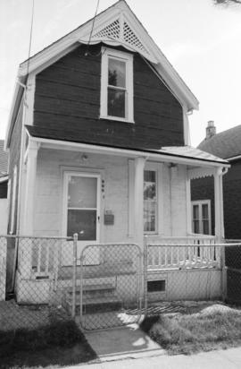 808 Dunlevy Avenue
