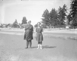 [Unidentified women on beach in Okanagan]
