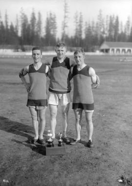 6th Field Company C.E. [3 athletes with trophies]