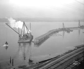 [Construction of pier for Robin Hood Mills at the foot of Nanaimo Street]