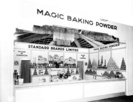 Standard Brands display of Magic Baking Powder