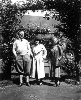 George Fitch, Rita Fitch and daughter Kathleen Merritt at Harrison Hot Springs Hotel gardens