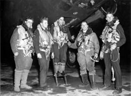 [A group of airmen returning to Vancouver from Saarbrucken]