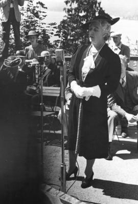 [Mrs. Walter Winsby (nee Saunders) speaking after the unveiling of the walking beam of the S.S. &...