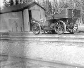 [The Glidden car at North Bend]