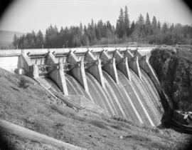 [Hydro electric dam]