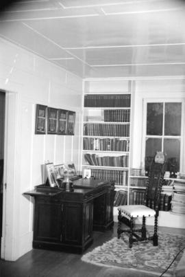 [Interior view of an office]