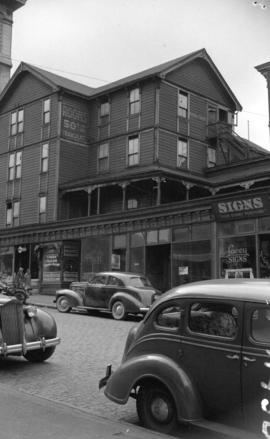 [Oldest boarding house in Vancouver, corner of Homer and Pender Streets]