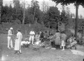 Malkin's picnic [group at picnic grounds]