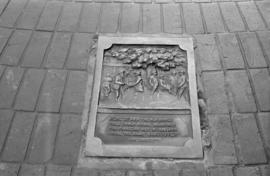 Pioneer Maple Tree Monument - replica plaque