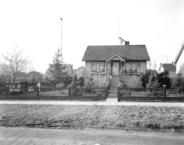 Mr. [Robert] Corbin's electrically decorated house [at 7925 Shaughnessy Street]