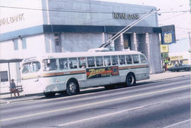 [B.C. Transit bus - No. 9 Broadway]