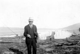[L.D. Taylor with camera at Crofton, B.C.]