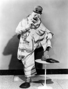 Al Ackerman : [publicity photo of clown]