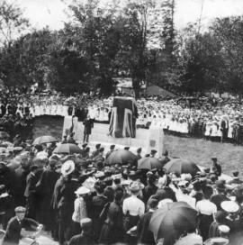 [Sir Richard McBride speaks before unveiling Queen Victoria Memorial]