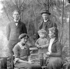 [Group portrait of a family]