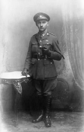 Portrait of Sherwood Lett as captain with 46th Saskatchewan Regiment