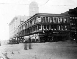[Central Building 100-106 West Hasting St. at Abbott St.]