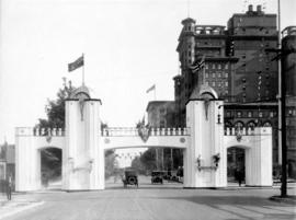 [Prince of Wales' arch across Georgia Street at Howe Street]