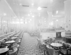 [Interior of the bar and lounge at the Hotel Balmoral]