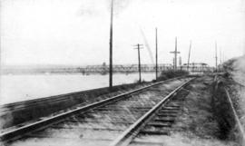 New Westminster Bridge and railroad tracks