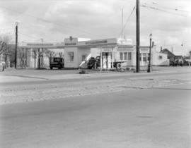 [A. Caddell's Union Oil service station]