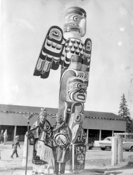 [Chief Andy Franks holding talking stick in Lewis Park]