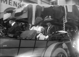 Prince Arthur of Connaught [two ladies in car]