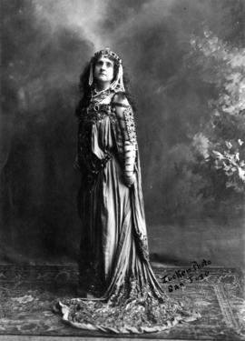 "[Unidentified actress in ""Queen of Sheba: costume]"