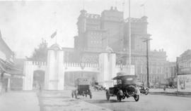 Arch at Georgia and Howe Streets for the visit of the Prince of Wales