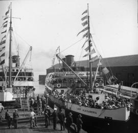 "[The ""Lady Alexandra"" at dock to take Vancouver and District Waterfront Workers Associa..."