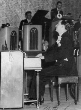 Basil Hunter, piano : BH Quartet, Press Club, 1950's