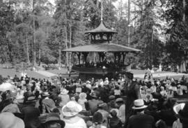 [Crowd gathered around bandstand at Stanley Park]