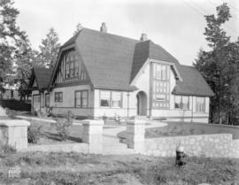 [Photograph of residence at 2784 W. 49th Ave., Vancouver B.C.]