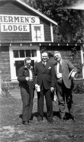 George Fitch and two others at Fishermen's Lodge, location unknown