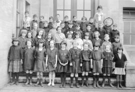 Bayview School [group photograph]
