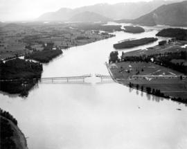 [Agassiz-Rosedale Bridge]
