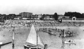 English Bay, Vancouver, B. C. [showing swimmers and boats]