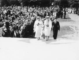Mrs. McGeer, the Mayoress, and Mrs. Herridge, sister of Rt. Hon. R.B. Bennett, approaching [City ...