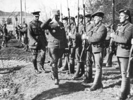 [General Mishitch, 1st Serbian Army Corps inspects a guard of honour on the Salonika front]