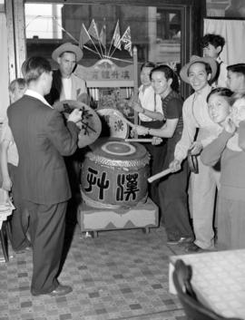 [Chinese musicians playing during VJ day celebrations in Chinatown]