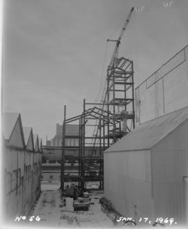 Construction of new melting house: erecting steel